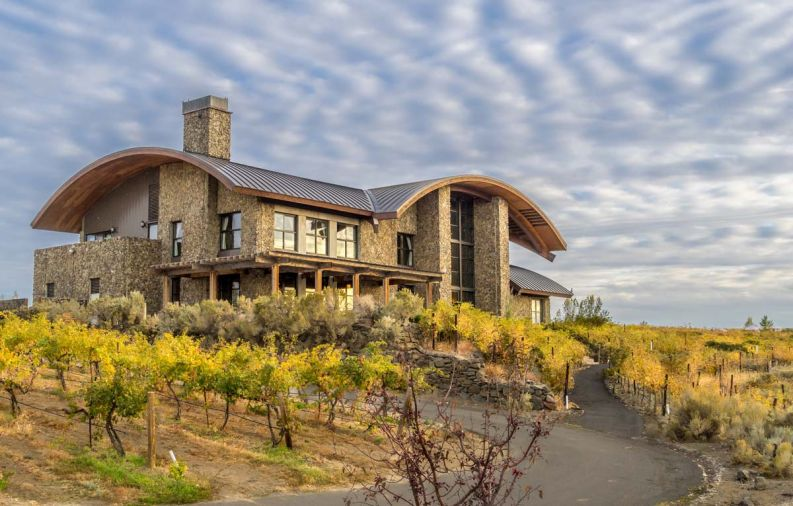With four accommodation options to choose from: private Cliffehouses, Cavern Rooms built into the cliff face, gorgeously-appointed Inn Suites or rugged Desert Yurts among the vineyards – Cave B Inn & Spa Resort.
