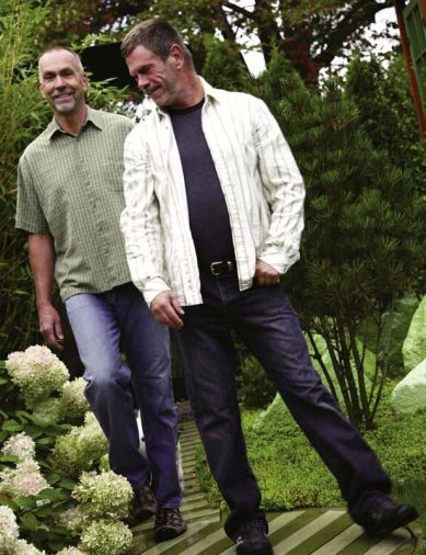 Will Goodman (L) and Michael Schultz (R) dream big when it comes to their gardens – and they have the skills and know-how to make it happen. Every detail, from the light green hydrangeas to the striped walkway are planned and executed in detail.