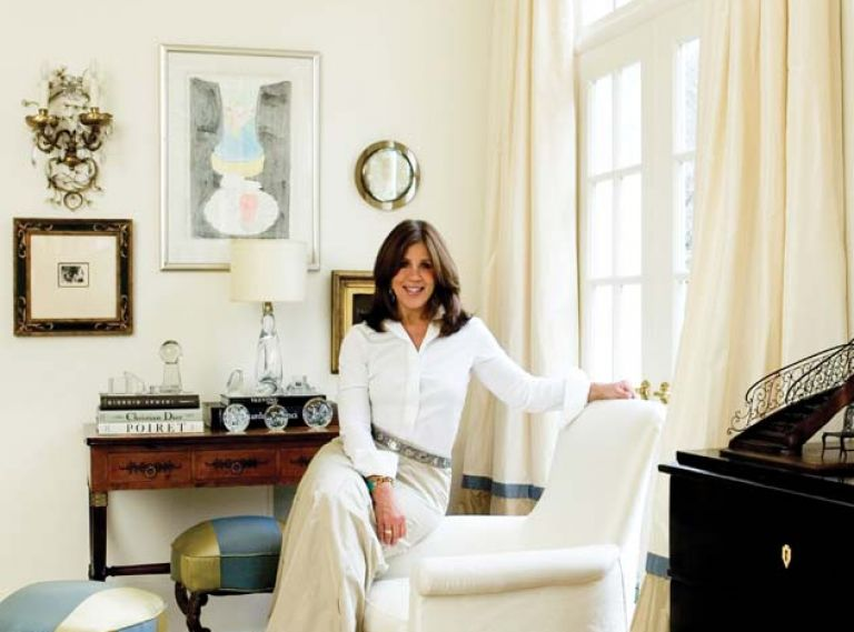 Atlanta-based interior designer Suzanne Kasler is known for interiors that straddle that rare middle ground between sophisticate and ingénue. Her work has been featured in Architectural Digest, Elle Décor, House Beautiful, House & Garden, Southern Accents, Traditional Home and Veranda.