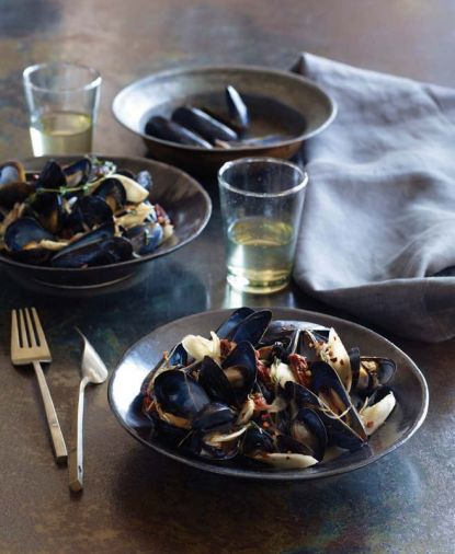 <a href='diane-morgan-steamed-mussels-with-burdock-root'>Steamed Mussels with Burdock Root</a>