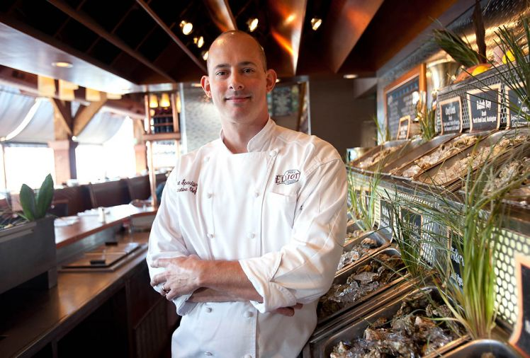 Seattle's Elliott's Oyster House chef Robert Spaulding serves its namesake bivalve all year 'round. Every oyster on their menu comes from carefully managed, certified growing areas.