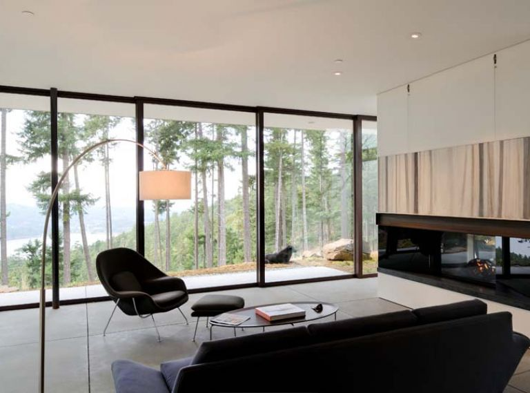 What began as a 17-year-old's vow to live on the San Juan Islands one day, ended 54 years later with New York artist Marie Gladwish collaborating with her son, Seattle architect Gary Gladwish, on an Orcas Island home that both opens to and reflects the environment surrounding it.