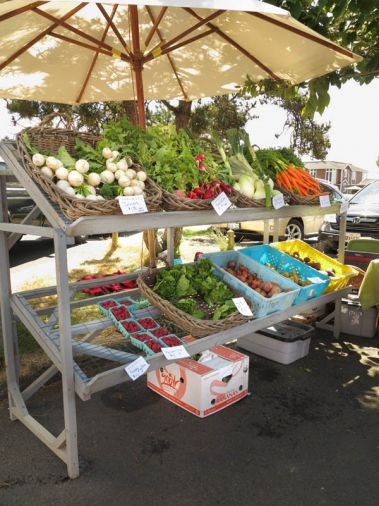 The Cannon Beach Farmer's Market is open Tuesdays 1:00-5:00 from mid-June to late September. Shop for vegetables, flowers, pasture-raised meat, organic cheese and artisan food.